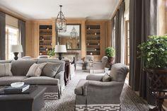 Awesome 40 Stunning Fall Living Room Decor Ideas http://toparchitecture.net/2018/03/17/40-stunning-fall-living-room-decor-ideas/
