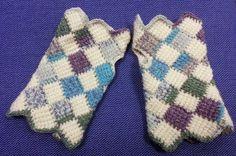 Pixie Mittens - Free Tunisian entrelac crochet pattern by Abi Millard / Hooking Crazy.
