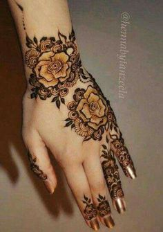 Mehndi Designs That Are Topping The Popularity Charts In Henna Hand Designs, Mehndi Designs Finger, Rose Mehndi Designs, Arabic Henna Designs, Mehndi Designs For Girls, Modern Mehndi Designs, Mehndi Design Photos, Mehndi Designs For Fingers, Beautiful Mehndi Design