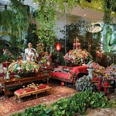 In the dreamlike private universe he has painstakingly created, the London-based artist Raqib Shaw finds all the inspiration he needs. Raqib Shaw, Shaw House, Indoor Garden, Home And Garden, Indoor Plants, Garden Of Earthly Delights, Chula, Interior Photo, Interior Design