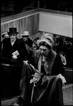 Henri Cartier-Bresson, State Opera re-opening, Vienna, Austria, 1955 Henri Cartier Bresson, Candid Photography, Street Photography, Ernesto Che Guevara, Dream Pictures, Steve Mccurry, Vivian Maier, French Photographers, Vienna Austria