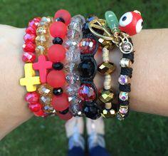 Look del día pulseras bijoux accesorios accesories Fasna joyas jewerly ojo turco rojo negro dorado black red gold