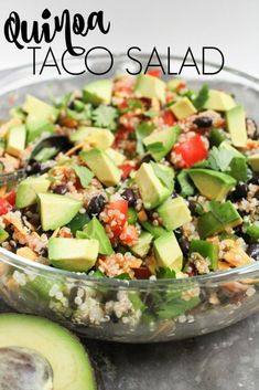 healthy quinoa taco salad makes for a great quick and easy packed lunch or dinner. It& vegetarian and easily vegan, too!This healthy quinoa taco salad makes for a great quick and easy packed lunch or dinner. It& vegetarian and easily vegan, too! Taco Salad Recipes, Healthy Salad Recipes, Whole Food Recipes, Healthy Snacks, Healthy Eating, Recipes Dinner, Healthy Living Recipes, Clean Eating, Avocado Recipes