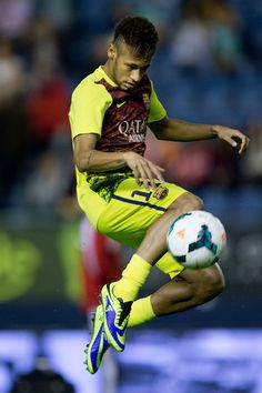 Neymar JR. of FC Barcelona controls the ball during hois warming up prior to start the La Liga match between CA Osasuna and FC Barcelona at El Sadar stadium on October 19, 2013 in Pamplona, Spain.