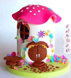 Cute fairytale cake idea <3