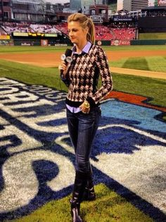 """Fox Sports broadcaster Erin Andrews' """"office"""" is a field, so she always has to be camera-ready — but cute and casual — when she goes to work..."""