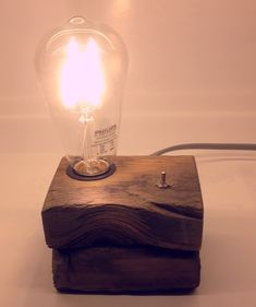 Edison Lighting, Outdoor Lighting, Table Lamp Wood, Desk Lamp, Lamp Light, Light Bulb, Mood Lamps, Small Wood Projects, Wood Interiors