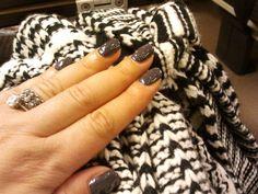CND Shellac manicure in Asphalt