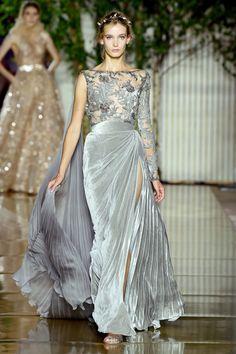 Zuhair murad haute couture fall/w zuhair murad, prom dresses, mod. Zuhair Murad Haute Couture, Haute Couture Fashion, Beautiful Gowns, Beautiful Outfits, Fashion Week, Runway Fashion, Evening Dresses, Prom Dresses, Donia