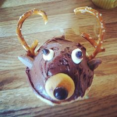 Deer cupcakes for Daddy's birthday!