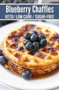 Mouthwatering Keto Blueberry Chaffles Mouthwatering delicious with hints of juicy blueberries and cinnamon, these blueberry chaffles make a fantastic breakfast or keto treat. Keto Foods, Ketogenic Recipes, Low Carb Desserts, Low Carb Recipes, Dessert Recipes, Dinner Recipes, Healthy Recipes, Waffel Vegan, Sugar Free Maple Syrup
