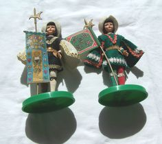 Two vintage Eros dolls in medieval outfits #DollswithClothingAccessories