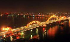 Dragon bridge: Da Nang, Vietnam.