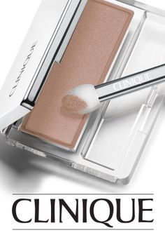 Long-wearing powder eye colour is ideal for your day. Try Clinique All About Shadow in Nude Rose. My Beauty, Beauty Makeup, Beauty Hacks, Hair Makeup, Hair Beauty, Beauty Bar, Beauty Tips, Blue Eye Makeup, Makeup For Brown Eyes