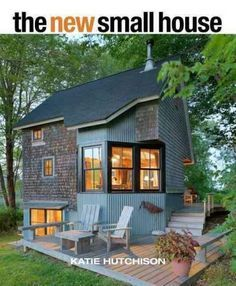 On the heels of the recession, theres been a resurgence of interest in small houses (1500 square feet and less) and even smaller retreats (800 square feet and less). Folks appreciate that living small