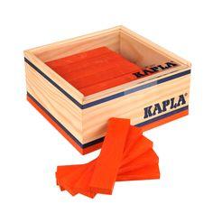 De Kapla 40 Plankjes Oranje zijn allemaal precies even groot, waardoor je de grootste torens, kastelen of andere fantasie gebouwen kan maken. Niet alleen kinderen, ook volwassenen hebben urenlang speelplezier met deze Kapla plankjes. Heb je te weinig plankjes voor je prachtige bouwwerk? Geen probleem! Omdat alle Kapla plankjes dezelfde maat hebben is het gemakkelijk om je Kapla set uit te breiden! De kinderen leren spelenderwijs om te gaan met de zwaartekracht en het verbeteren van hun…