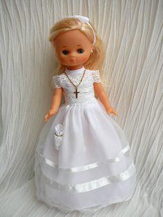 ANILEGRA COSE PARA NANCY: Nueva Lesly Comunión 2016. Nancy Doll, Girls Dresses, Flower Girl Dresses, American Girl, 1970s, Doll Clothes, Wedding Dresses, Vintage, Fashion