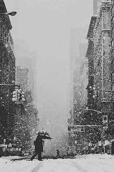 I can definitely tell ya a thing or two about snow in the city