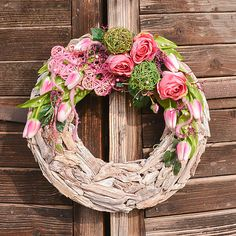 Veľký drevený veniec s ružami (XL) / Hydrangea - SAShE. Grapevine Wreath, Grape Vines, Diy And Crafts, Wreaths, Home Decor, Decoration Home, Door Wreaths, Vineyard Vines, Deco Mesh Wreaths