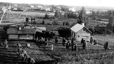 Puustellin tila 1930-luvun puolivälissä. #maaseutu #kulttuuriperintö #auttoinen #historia #puustellintarinat Tila, Monet, Cabin, World, House Styles, Inspiration, Decor, History, The World