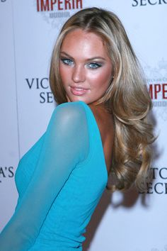 Candice Swanepoel – After Party – Victoria's Secret Fashion Show 2007 Moda Victoria Secret, Victoria Secret Fashion Show, Rock Your Hair, African Models, Vogue, Hair Color Highlights, Candice Swanepoel, Tan Skin, Doll Hair