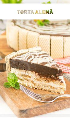 A receita mias fácil da internet de Torta Alemã que leva ovos no creme e fica leve e aerado. Sobremesa perfeita. Mousse, Confectionery, Junk Food, Crepes, Coco, Vanilla Cake, Nutella, Tiramisu, Cheesecake