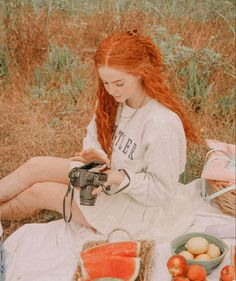 Aesthetic People, Book Aesthetic, Aesthetic Images, Red Hair Inspo, Lily Evans, Happy Hippie, Ginger Girls, Ginger Hair, Belle Photo