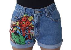 SUR LE SHORT Ce sont mignons et abordable Marvel Avengers short taille haute. Ces courts métrages ont été soigneusement modifié par mes soins, je couds le patch de marvel sur chaque paire. Les shorts sont à l'origine vintage jeans Levi et j'ai couper en styles nouveaux et très