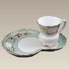 Serve your guests in style with this beautifully shaped tea and toast set reminiscent of a bygone era. The 5 ounce tea cup has a pedestal design, and scalloped edges are striking and elegant.