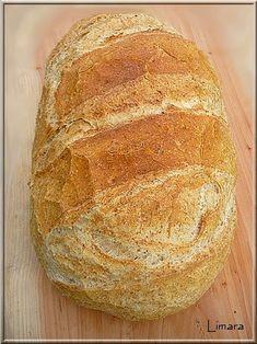 Ismét egy olvasói kérésnek teszek eleget ezzel a korpás kenyérrel. Kiváló lehet azok számára, akik a fehér kenyér hívei, a teljes kiőrlésű l... Hungarian Recipes, Naan, Kenya, Bakery, Food And Drink, Cooking, Brot, Kitchen, Brewing