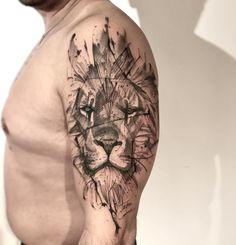 esafio criar algo do mesmo diferente, mas foi aceito! I dare to create something else, but it was accepted ! Lion Head Tattoos, M Tattoos, Body Art Tattoos, Hand Tattoos, Sleeve Tattoos, Tattoos For Guys, Cool Tattoos, Tattoo Designs, Lion Tattoo Design