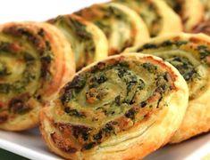 Aperitive festive Gustari deosebite Idei si retete - simonacallas Mimosa Salad, Tortilla, Jamie Oliver, Dough Recipe, Ricotta, Bagel, Quiche, Foodies, Deserts