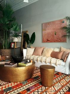 44 modern bohemian living room ideas for small apartment (32)