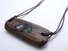Horizontal Driftwood and Shore Glass Necklace.