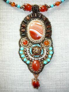 Кулон по мотивам индийского этно | biser.info - всё о бисере и бисерном творчестве