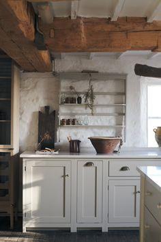 Cute Kitchen, Rustic Kitchen, New Kitchen, Kitchen Dining, Kitchen Decor, Shaker Kitchen, Marbel Kitchen, Log Cabin Furniture, Rustic Wood Furniture