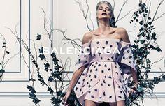 : Balenciaga Season : Spring/Summer 2014 Designer : Alexander Wang: Daria Werbowy by Steven Klein Daria Werbowy, Vogue Uk, Vogue Paris, Foto Fashion, Fashion News, High Fashion, Alexander Wang, Alexander Mcqueen, Balenciaga Spring