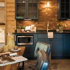 Simple rustic kitchen decor & designs.