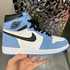 Dr Shoes, Cute Nike Shoes, Swag Shoes, Cute Nikes, Nike Air Shoes, Hype Shoes, Jordan Shoes Girls, Air Jordan Shoes, Girls Shoes