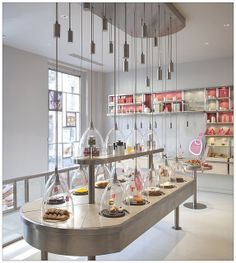 La Patisserie de Reves in Paris. Bakery Shop Interior, Cafe Interior Design, Patisserie Design, Bakery Design, Vitrine Design, Cafe Shop, Coffee Design, Booth Design, Retail Design