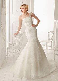 FABULOUS TULLE WITH DOTS ORGANZA SATIN MERMAID ONE SHOULDER NECKLINE NATURAL WAIST WEDDING DRESS LACE APPLIQUES