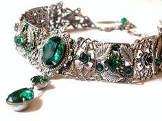 Emerald Swarovski Crystal Choker  - Victorian Gothic Bridal Silver Choker - Bridal Necklace -Victorian Gothic Jewelry - Wedding Jewelry