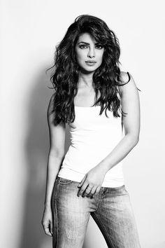 Priyanka Chopra  #PiggyChops #Bollywood #Hollywood #Hindi #Actress #Heroine #Quantico #Hot #Sexy #Black&White #Cute #Beauty