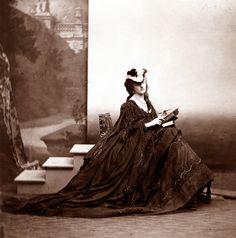 The mysterious selfie queen of Paris high society