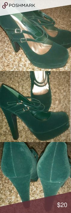 Emerald green velvet platform stilettos Bnwot. Size 8, deep green more emerald with 2 straps   Perfect for #christmas  #christmasshoes  #holiday  #holidayshoes Qupid Shoes Platforms