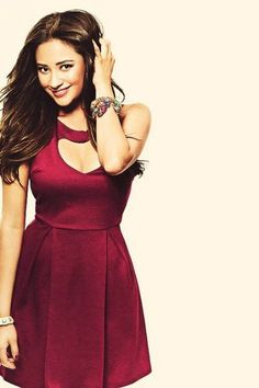 Shay Mitchell Fashion and Style - Shay Mitchell Dress, Clothes, Hairstyle