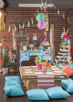 Transporta a tus invitados a los años 60 con esta genial idea hippie. #party #hippie