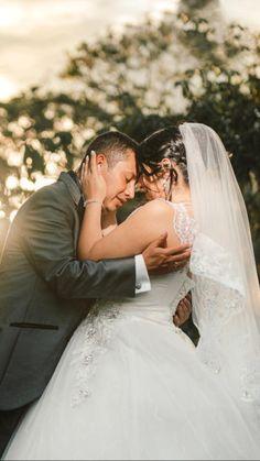 Wedding Couples, Wedding Photos, Wedding Dresses, Fashion, Couple Photos, Bridal Gowns, Weddings, Boyfriends, Marriage Pictures