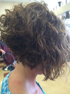 Bob Haircut Curly, Haircuts For Curly Hair, Short Bob Haircuts, Curly Hair Cuts, Curly Bob Hairstyles, Curly Hair Styles, Wavey Hair, Short Wavy Hair, Short Hair With Layers