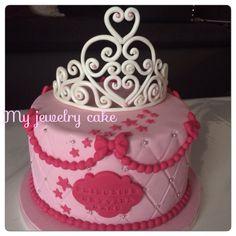 Gateau princesse. Birthday cake. Gateau anniversaire fille. Cake design. Follow me on facebook myjewelrycake